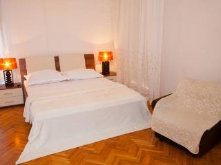 LCT Apartment Mimi*** - Split vacation rentals