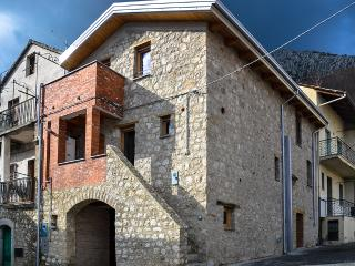 Nice House with Mountain Views and Central Heating - San Rufo vacation rentals