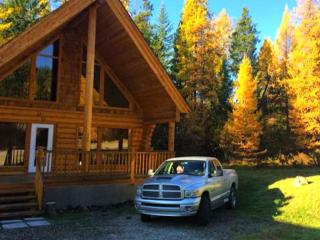 LUXURIOUS LOG CABIN/MOUNTAINS/COUNTLESS RECREATION - Kimberley vacation rentals
