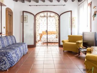 Cozy 3 bedroom Mestre Condo with Internet Access - Mestre vacation rentals