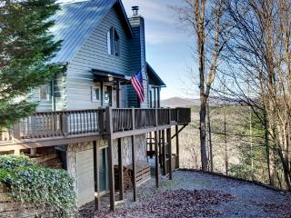 Gorgeous Cabin with Deck and Internet Access - Blue Ridge vacation rentals