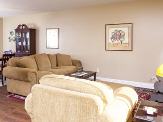 Downtown Charmer 4 Blocks From Paso Center - Paso Robles vacation rentals