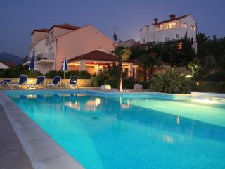 Cosy 2 bedroom apartment with pool - Cavtat vacation rentals