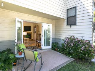 Downtown Bright 2 Bed Bungalow in San Luis Obispo - San Luis Obispo vacation rentals