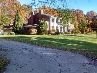 Hermitage Hills: Sleeps 30+. 5,600 Sq Foot Estate - Reading vacation rentals