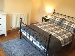 3 bedroom cosy central house in Wolverhampton - Wolverhampton vacation rentals