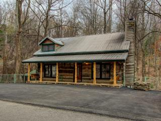BEAR SANCTUARY - A REAL LOG CABIN - NEW INSIDE !!! - Gatlinburg vacation rentals