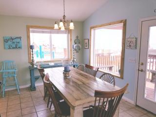 Bright 4 bedroom Garden City House with Internet Access - Garden City vacation rentals