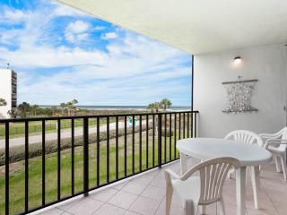Captains Quarters 216, New HDTV, 2 Elevators, Pool, Grill, WiFi - Saint Augustine vacation rentals