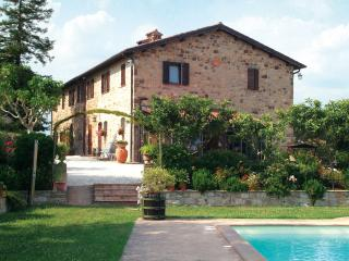 Nice Guest house with Internet Access and Television - Fratta Todina vacation rentals