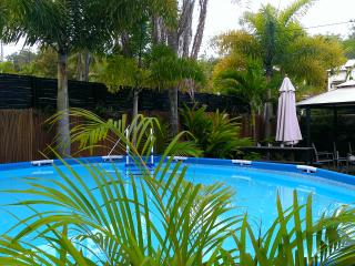 2 br Cairns holiday house Trinity Beach, spa bath - Trinity Beach vacation rentals