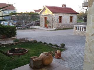 TH01298 Apartments Mirjana / A1 / Two Bedrooms - Privlaka vacation rentals