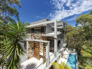 Bright 4 bedroom House in Blueys Beach with A/C - Blueys Beach vacation rentals