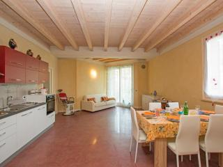 Lovely 3 bedroom Province of Brescia Apartment with Internet Access - Province of Brescia vacation rentals