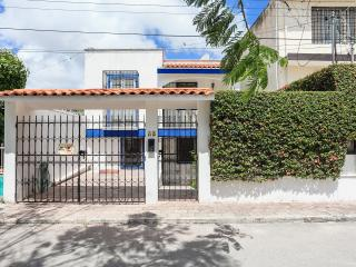 Gorgeous House with Internet Access and A/C - Cancun vacation rentals