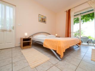 Apartmani Roza - one bedroom, sea view - Mlini vacation rentals