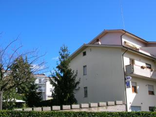 Nice Bed and Breakfast with Internet Access and A/C - Castelfidardo vacation rentals
