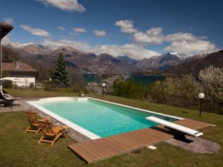 Luxury Lake View Villa with Pool Rif. 231 - Cremia vacation rentals