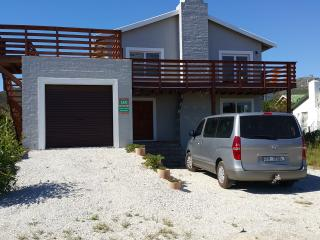 4 bedroom House with Internet Access in Pringle Bay - Pringle Bay vacation rentals