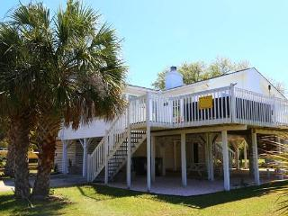 "2602 Myrtle St - ""Sun of a Beach"" - Edisto Beach vacation rentals"
