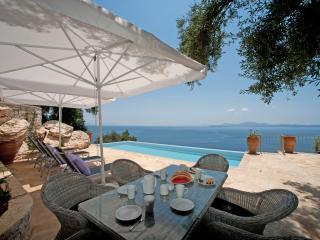2 bedroom Villa with Internet Access in Corfu - Corfu vacation rentals
