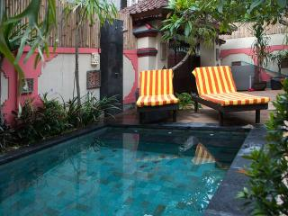 Villa + private pool - max 4 guests - 2 bedroom2 - Sanur vacation rentals