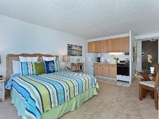 Heart of Waikiki studio on 20th floor - ocean views, WiFi, parking, sleeps 2. - Waikiki vacation rentals