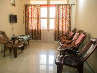 Romantic 1 bedroom Colva Apartment with A/C - Colva vacation rentals