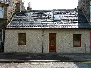 Bright 1 bedroom Cottage in Elgin - Elgin vacation rentals
