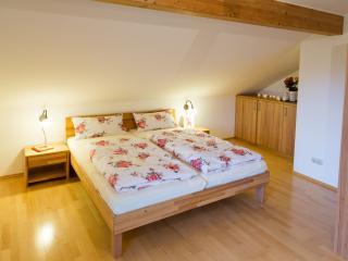 Ferienwohnung Rosalie - im Münchner Umland - Glonn vacation rentals