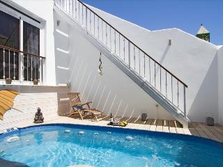 Comfortable 2 bedroom Villa in Costa Teguise - Costa Teguise vacation rentals