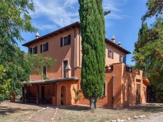 4 bedroom Villa with Internet Access in Palombara Sabina - Palombara Sabina vacation rentals