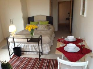 Central London, 2 Bedrooms with Balcony - London vacation rentals