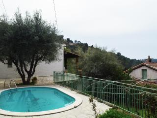 Charming Villa with Internet Access and A/C - La Gaude vacation rentals
