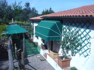 Cote Tonda 1 (posti 4) Agriturismo Panoramico - Marciana Marina vacation rentals