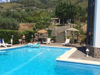 B&B Villa Adriana Matrimoniale con angolo cottura - Praia A Mare vacation rentals