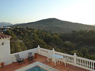 Sunny House with Internet Access and Short Breaks Allowed - Almogia vacation rentals