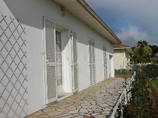 Cozy 2 bedroom Saint-Martin-de-Seignanx House with Dishwasher - Saint-Martin-de-Seignanx vacation rentals