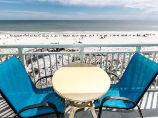 """Pelican Isle Unit 403"" Gorgeous Direct Front Views! - Fort Walton Beach vacation rentals"