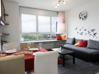 City Hideout - central, great view, kingesize bed, free parking, WiFi, A/C - Zagreb vacation rentals