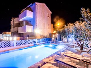 Cozy 2 bedroom Apartment in Bol - Bol vacation rentals