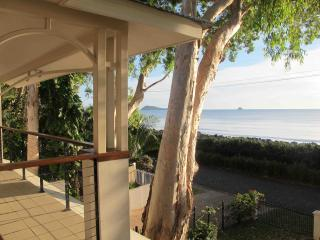 Spacious 4 bedroom House in Cairns - Cairns vacation rentals