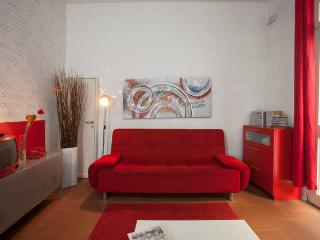 Nice Condo with High Chair and Central Heating - Florence vacation rentals