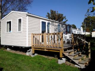 Cottage Chalet Lodge Holiday Rental Parc Normandie - Litteau vacation rentals