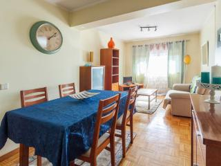 Romantic Condo with Internet Access and Washing Machine - Porto vacation rentals