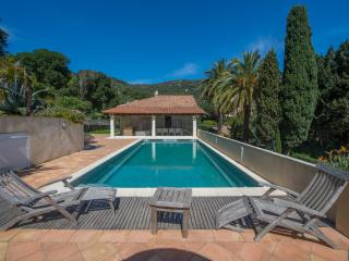 4 beds villa , 50m from a beach, Saint -Tropez - Le Rayol-Canadel vacation rentals