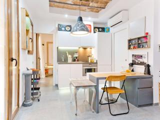 Beach Gallery Apartment - Barcelona vacation rentals
