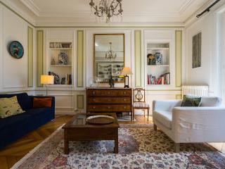 Elegant and Parisian flat, Quartier Latin - Paris vacation rentals