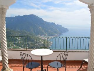Amalfi Coast Apartment in Historic Home within Walking Distance to Ravello  - Palazzo Irina - Ravello vacation rentals