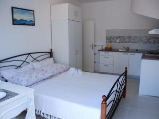 Studio apartment Miletic - Stari Grad vacation rentals